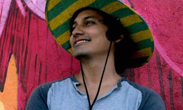 Artista Acapulqueño es seleccionado para pintar en Costa Rica