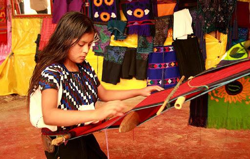 Artesanas del textil son un orgullo para México
