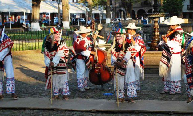 Alegría, música y baile de Michoacán.