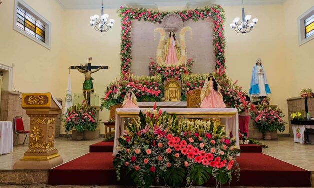 Barrios de Uruapan celebran con devoción y recogimiento a sus santos patronos en tiempos de COVID-19