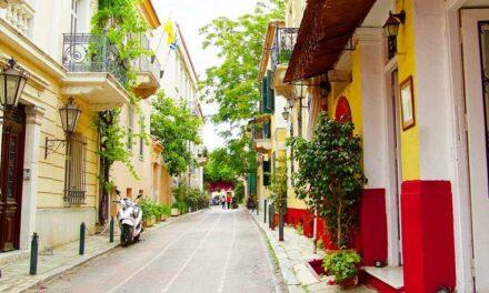 Calles de Grecia se vacían en la primera jornada de segundo confinamiento