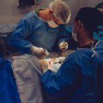 Médico mexicano estrena tecnología de Microsoft en cirugía