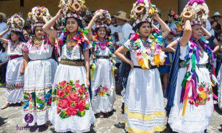 El ritual de las aguadoras una tradición viva en Uruapan
