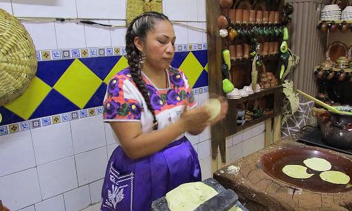 Paula Campoverde, cocinera tradicional de San Juan Nuevo