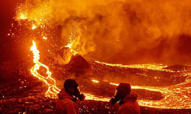 Dron se mete a la boca del volcán para grabar de cerca los chorros de lava y acaba fundido