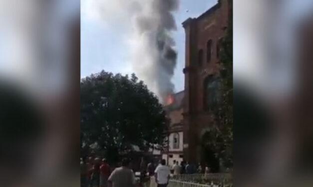 Tras controlar incendio, pobladores de San Juan Nuevo gritan vivas al Señor de los Milagros