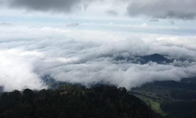 Como 'estar entre las nubes', así es la sensación en lo alto del Pico de Tancítaro