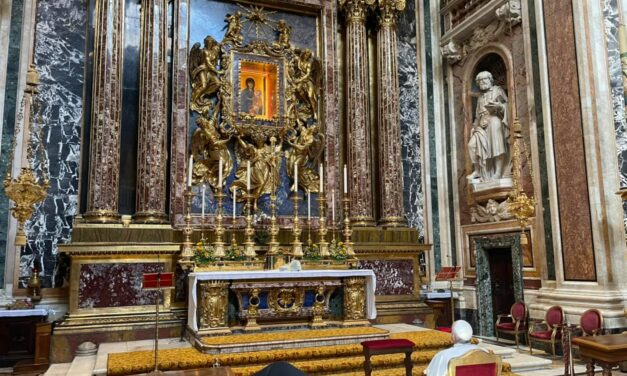 Dan de alta al Papa Francisco